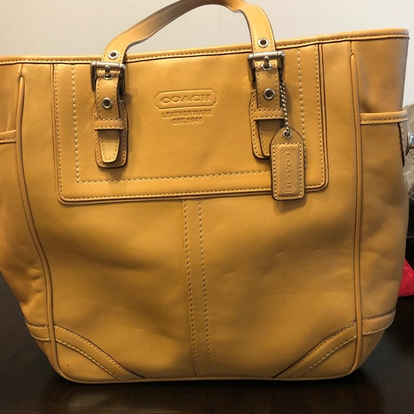 Coach Handbags - Coach tote.